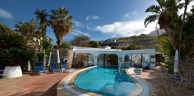 Apartment villa ravino for Appartamenti ischia