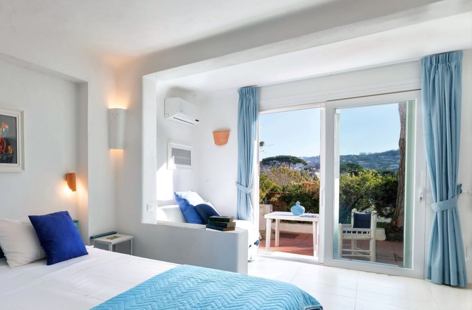 Ischia Room for Bed and breakfast accommodation