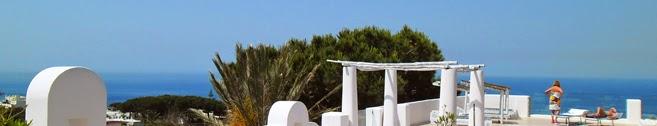Villa Ravino,  Residence e B&B, vi offre la possibilità di soggiornare qui, in un parco botanico, con vista mare.   Per un weekend, per una settimana, per un mese, per tutta la stagione. Così potrete fare tutto, compreso niente.
